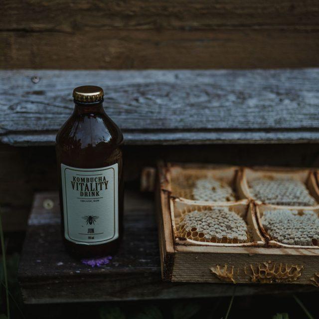 Kombucha vitality drink taste of honey bee honeycomb